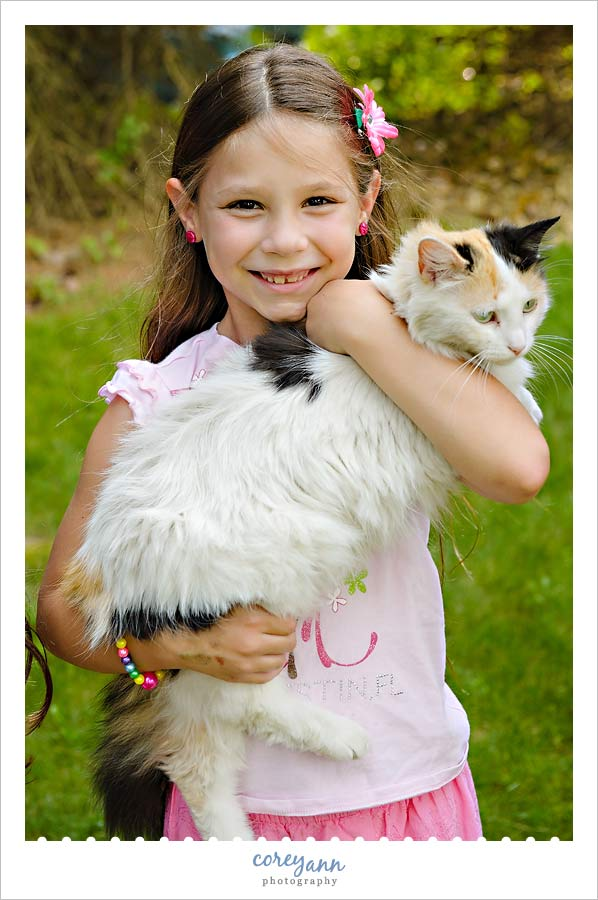 child and her cat Outdoor Family Portraits With One Child