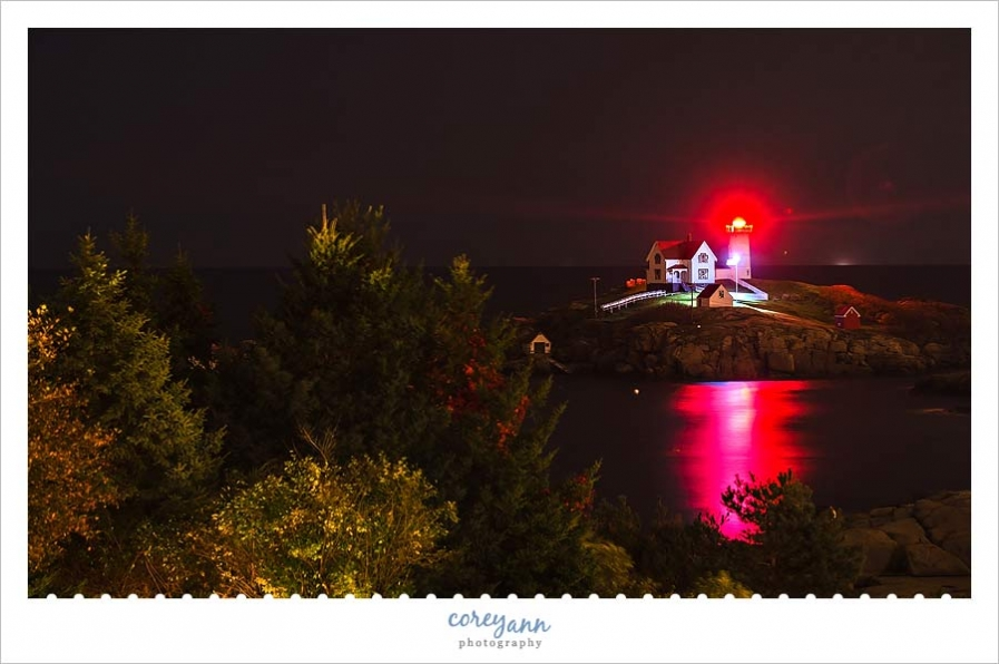 cape-neddick-lighthouse-night