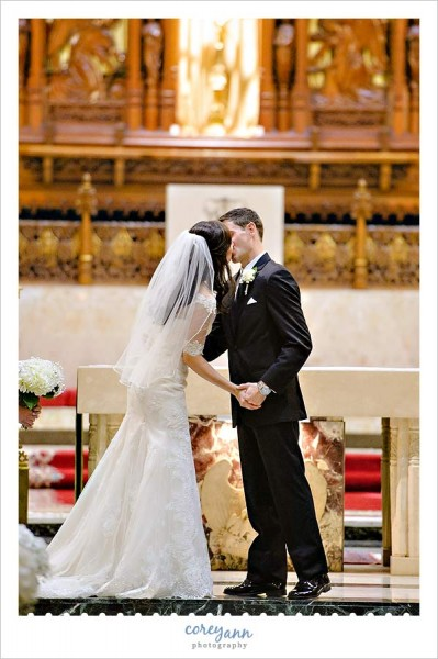 Cleveland Public Theater Wedding With Alexia And Jonathan