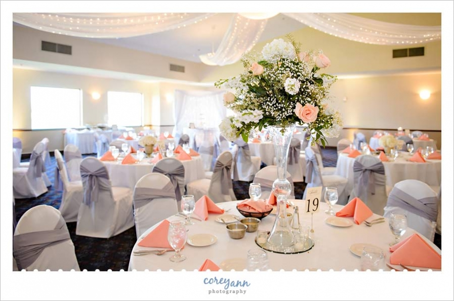 Chenoweth golf course wedding with allison and jonathan corey chenoweth golf course wedding reception in peach and grey junglespirit Images