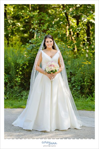 bridal portrait at indigo lake in cuyahoga valley national park