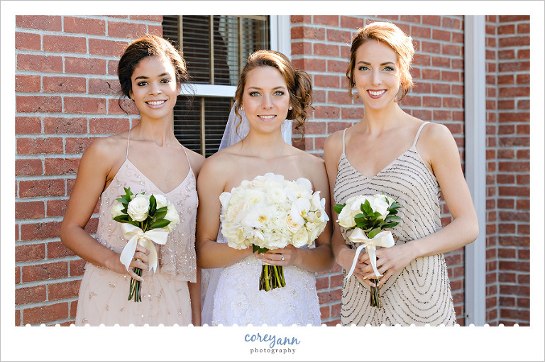 Bride and Bridemaids outside of Lousiville Church of Christ