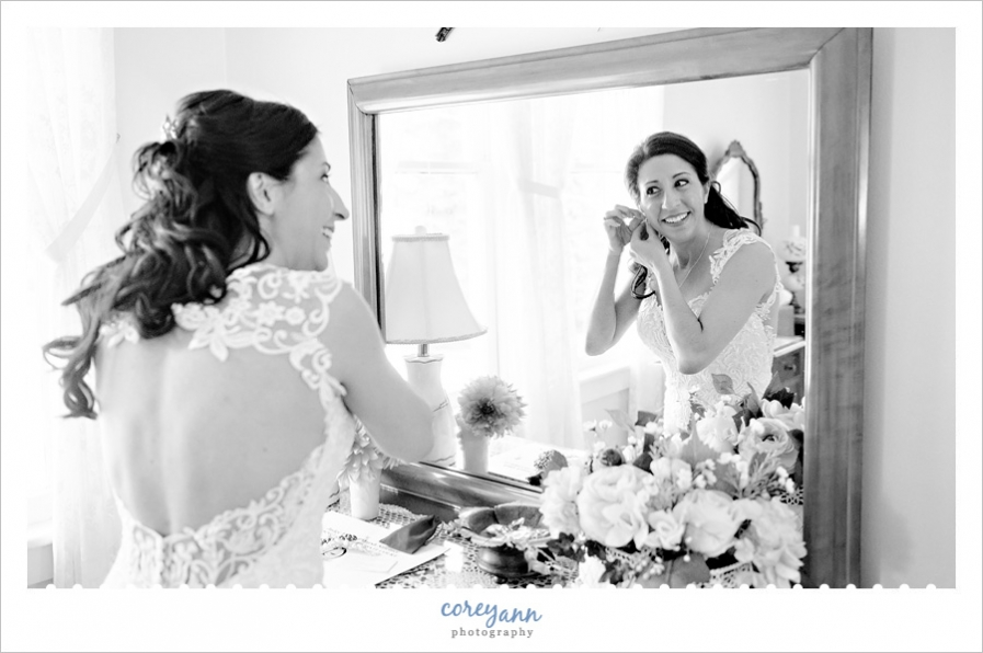 Bride getting ready for wedding in Akron Ohio