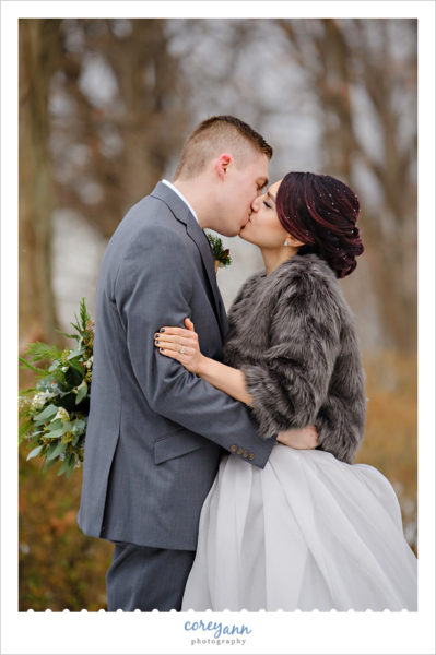 Outdoor winter wedding portraits in Ohio
