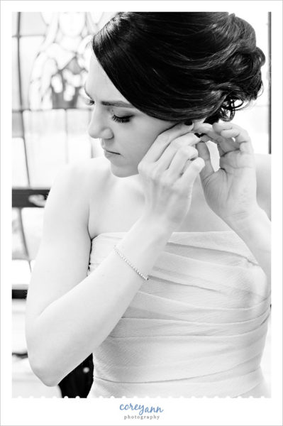 Bride getting ready for wedding at st ladislas