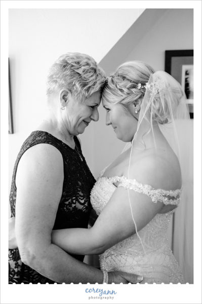 Bride and Mom before wedding at Stan Hywet