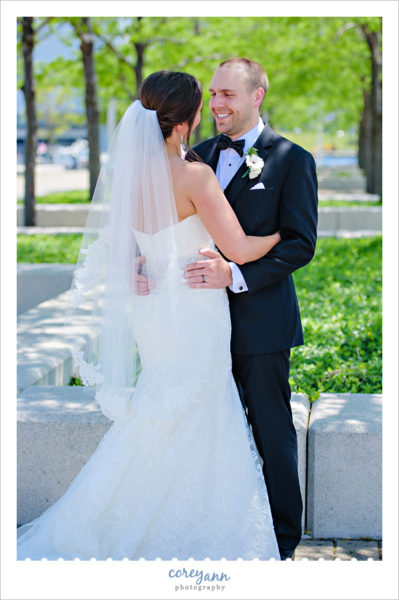 Wedding Photo in Downtown Cleveland in June