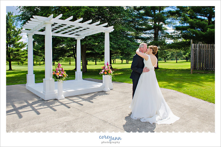 Wedding First Look at Skyland Pines in Canton
