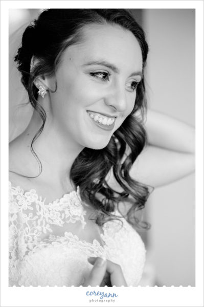 bride getting ready for wedding in mogadore