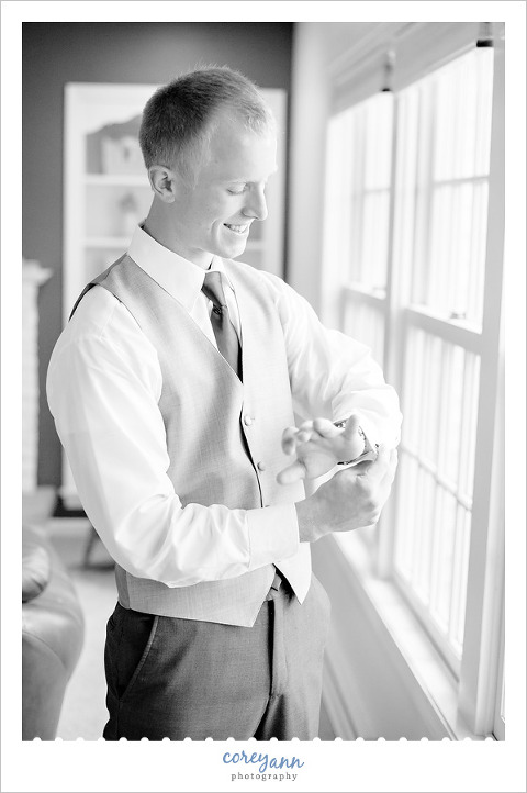 Groom before wedding in Chagrin Falls