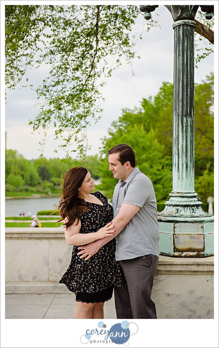 engagement session at cleveland museum of art